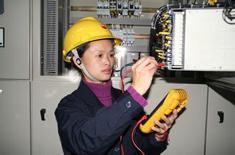伊诺尔电气专业接技术线人员