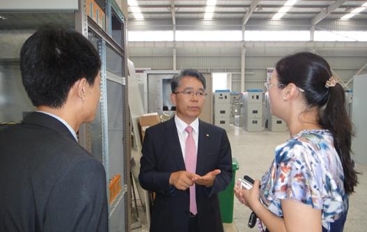 焦作市供电公司副总经理胡刚参观我公司